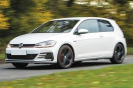 volkswagen-golf-gti-alloy-wheels
